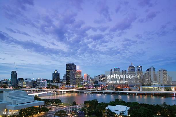 AUSTRALIA-Queensland-Brisbane: City Skyline from Southbank / Evening