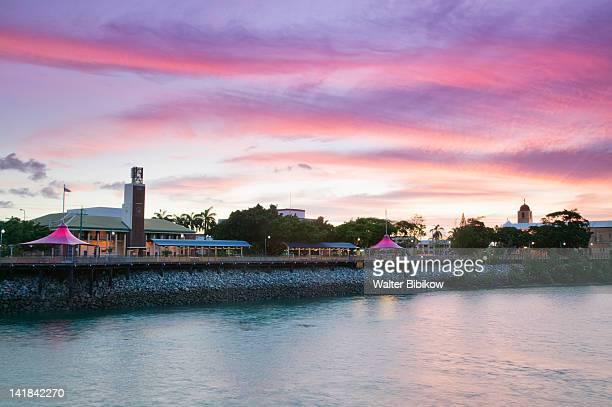 AUSTRALIA-Queensland-WHITSUNDAY COAST-Mackay: Sunset over Mackay from Forgan Bridge