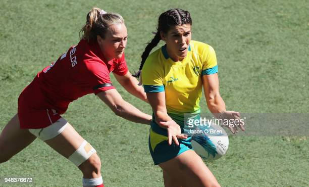Australia's Charlotte Kaslick in action against Canada in the Women's Semi Finals during Rugby Sevens on day 11 of the Gold Coast 2018 Commonwealth...