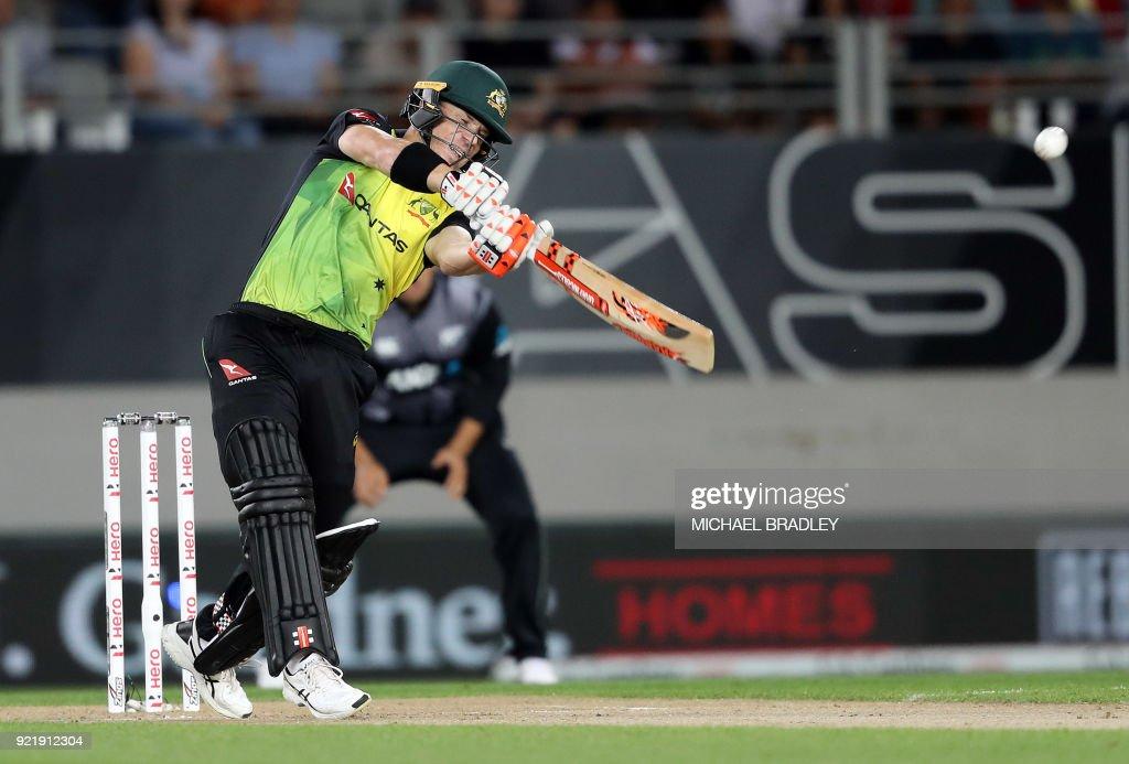 Australia's David Warner bats during the final Twenty20 Tri Series international cricket match between New Zealand and Australia at Eden Park in Auckland on February 21, 2018. /