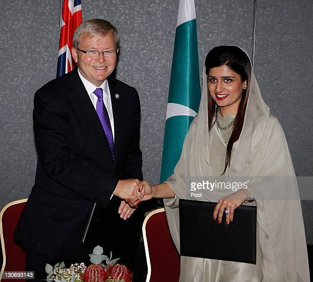 Australia's Foreign Minister Kevin Rudd signs a Memorandum of Understanding with Pakistan's Foreign Minister Hina Rabbani Khar at a bilateral meeting...
