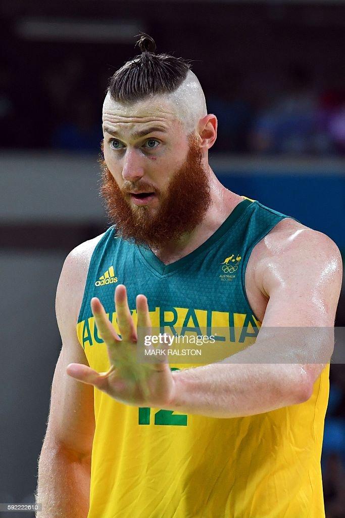 BASKETBALL-OLY-2016-RIO-AUS-SRB : News Photo