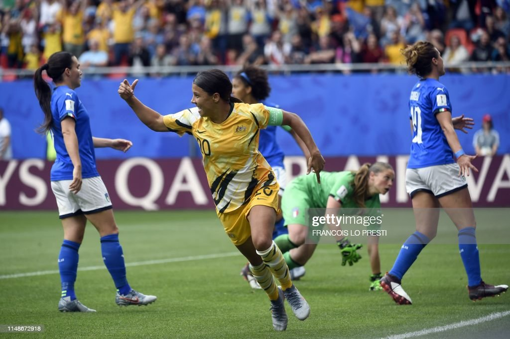 FBL-WC-2019-WOMEN-MATCH5-AUS-ITA : Nyhetsfoto