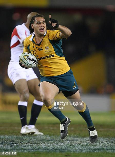 Australia's George Smith brings in the first try during the second Cook Cup match between Australia and England in Melbourne, 17 June 2006. THE AGE...