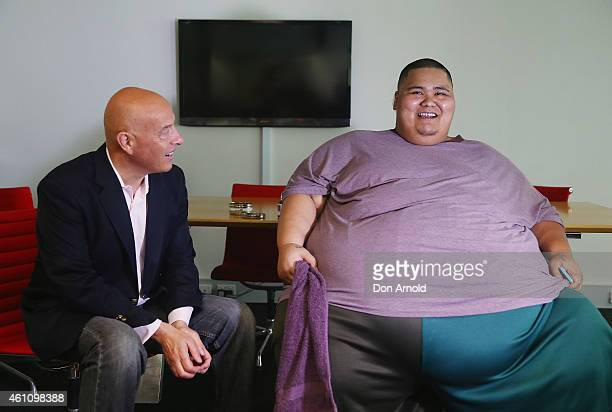 Australia's Heaviest Man Ulu Tuipulotu who had just set the scales at 337kg talks to PR Consultant Max Markson after a hypnotherapy session at the...