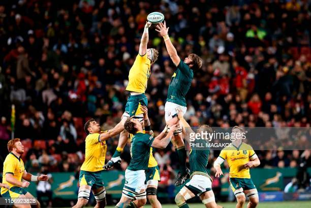 TOPSHOT Australia's Izack Rodda and South Africa's Lood de Jager fight for the ball during the 2019 Rugby Championship match South Africa v Australia...