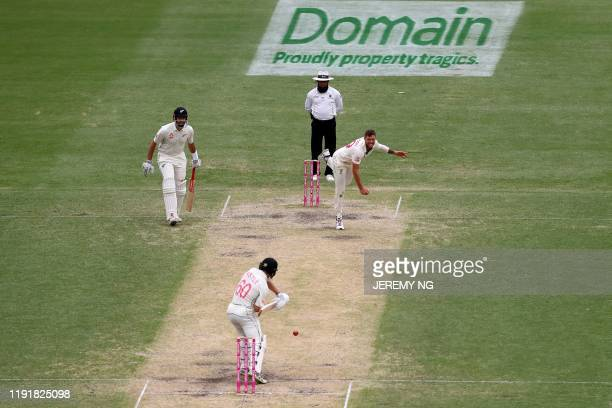 Australias James Pattinson bowls during the third day of the third cricket Test match between Australia and New Zealand at the Sydney Cricket Ground...