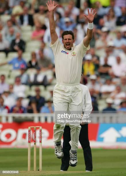 Australia's Michael Kasprowicz dismisses England's Geraint Jones during the 2nd Ashes Test match between England and Australia at Edgbaston cricket...