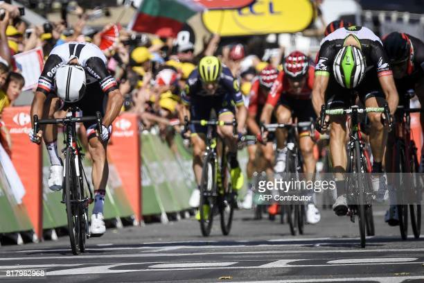 Australia's Michael Matthews sprints to win ahead of Norway's Edvald Boasson Hagen at the end of the 165 km sixteenth stage of the 104th edition of...