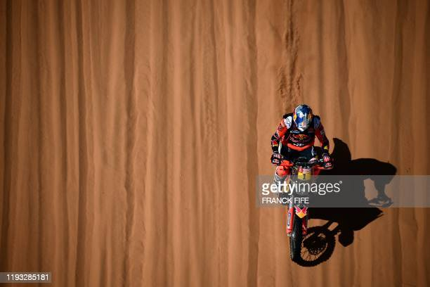 TOPSHOT Australia's motorbike rider Toby Price drives his KTM as he competes in the Stage 7 of the Dakar 2020 between Riyadh and Wadi Al Dawasir...