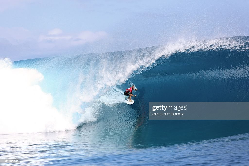 Australia's Owen Wright rides a wave during the finale of the 14th edition of the Billabong Pro Tahiti surf event, part of the ASP (Association of Surfing Professionals) world tour, on August 25, 2014 in Teahupoo, on the French Polynesian island of Tahiti. Brazil's Gabriel Medina won over US Kelly Slater.