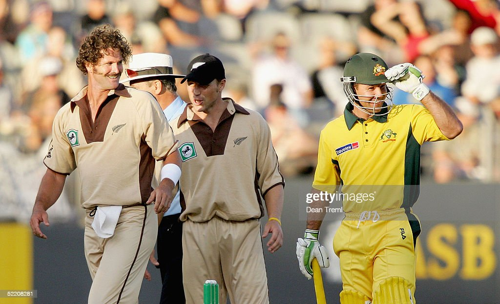 Australia's Ricky Ponting (R) and New Zealand's Chris Cairns share a laugh during the International Twenty20 game played between the New Zealand Black Caps and Australia at Eden Park on February 17, 2005 in Auckland, New Zealand.