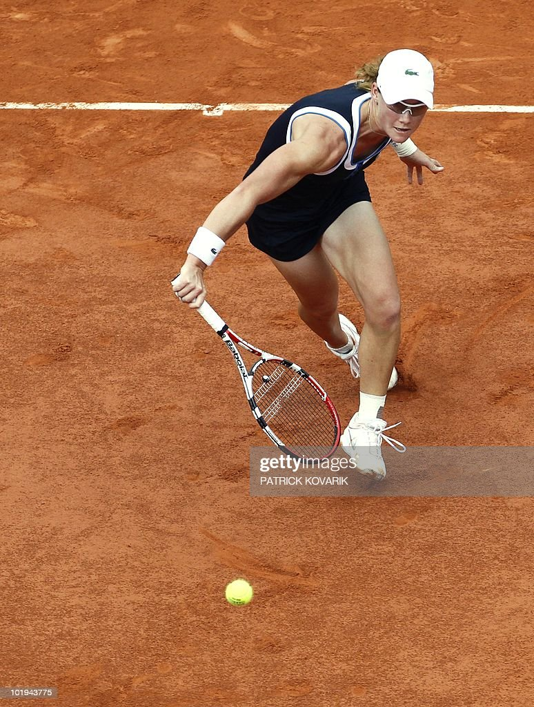 Australia's Samantha Stosur returns the ball to Italy's Francesca Schiavone during their women's final match in the French Open tennis championship at the Roland Garros stadium, on June 5, 2010, in Paris.