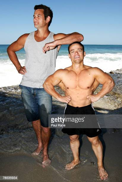 Australia's shortest competitive male bodybuilder David Clarke poses with his brother Paul at North Beach on November 10 2007 in Perth Australia The...