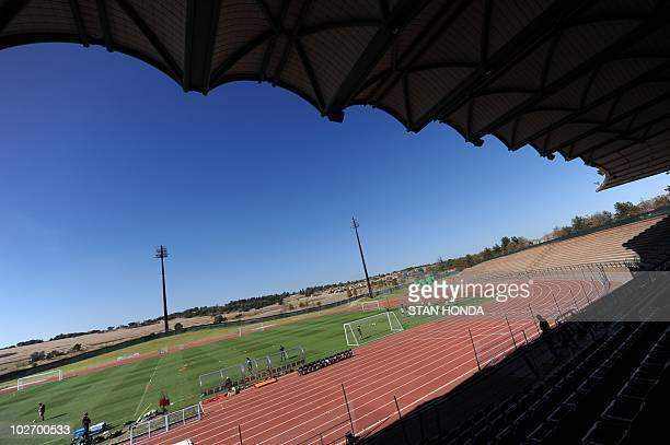 Australia's team trains at Ruimsig Stadium in Roodepoort on June 14 2010 during the 2010 World Cup football tournament AFP PHOTO/Stan Honda