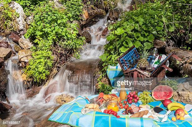 Austria, Altenmarkt-Zauchensee, picnic at spring of water