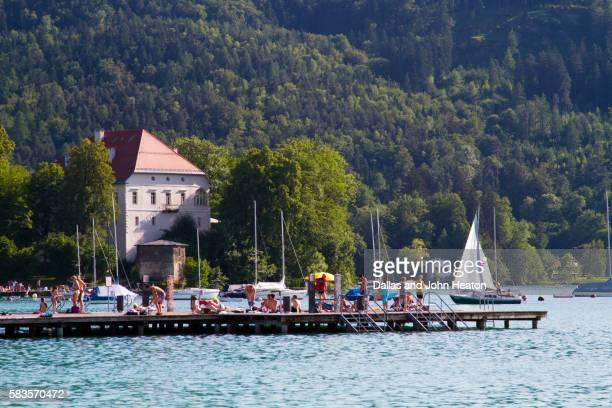 austria, carinthia, klagenfurt am worthersee, lake worthersee - クラーゲンフルト ストックフォトと画像