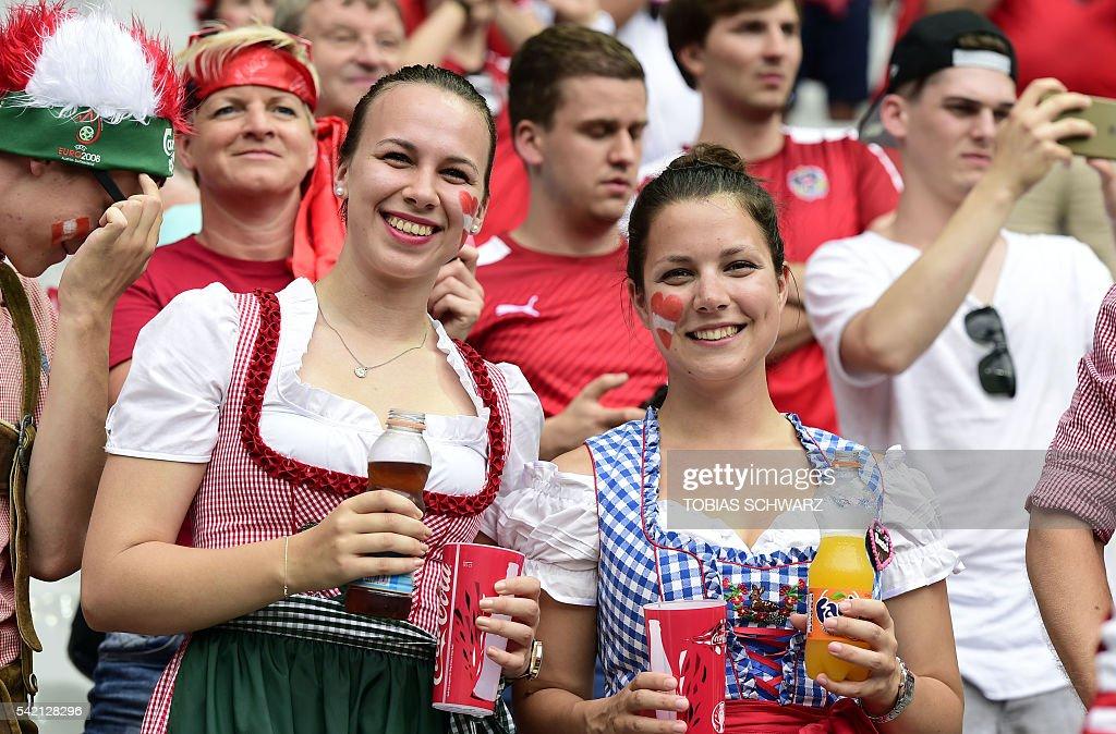 FBL-EURO-2016-MATCH33-ISL-AUT : News Photo