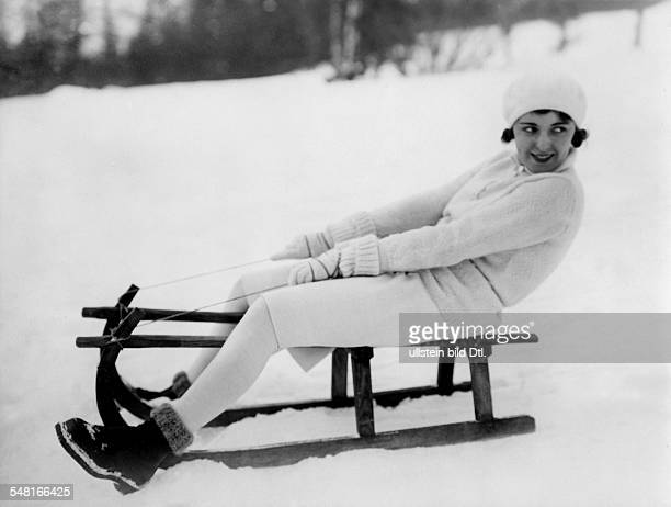 Austria Jugo Jenny Actress Austria * on a toboggan at Semmering / Austria during the filmings of the movie 'Die Flucht vor der Liebe' 1931 Vintage...
