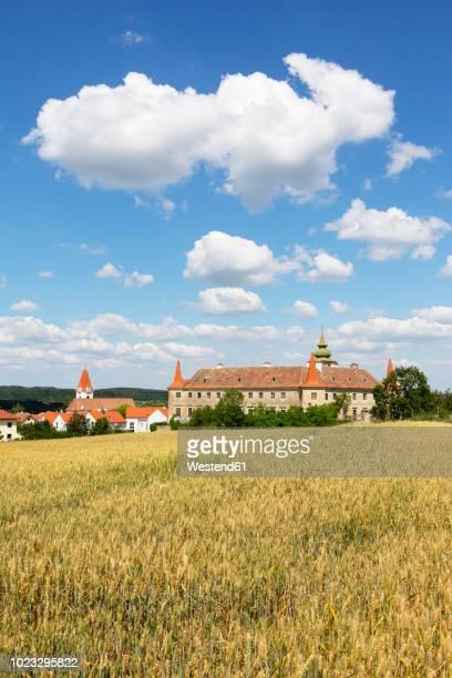 Austria, Lower Austria, Waldviertel, Dross, Dross Castle and grain field