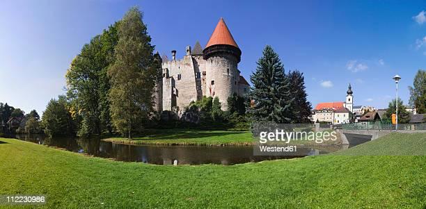 austria, lower austria, waldviertel, heidenreichstein,view of wasserburg heidenreichstein castle - moat stock pictures, royalty-free photos & images