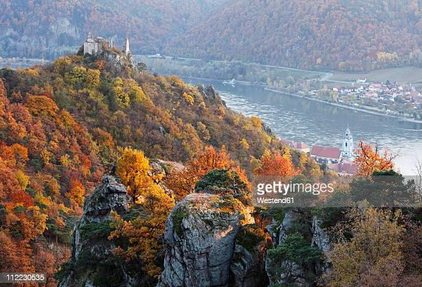 Austria, Lower Austria, Waldviertel, Wachau, View of Danube river and ruins of Duernstein castle