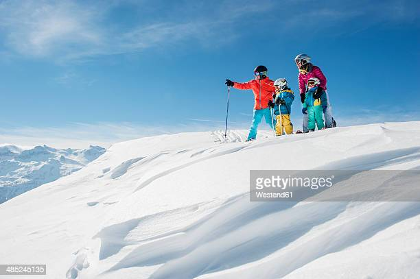 Austria, Salzburg Country, Altenmarkt-Zauchensee, Family skiing in mountains