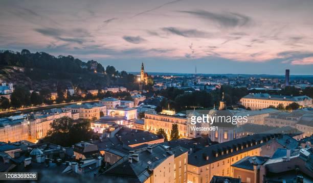 austria, salzburg land, salzburg, old town at dusk - salzburg stock-fotos und bilder