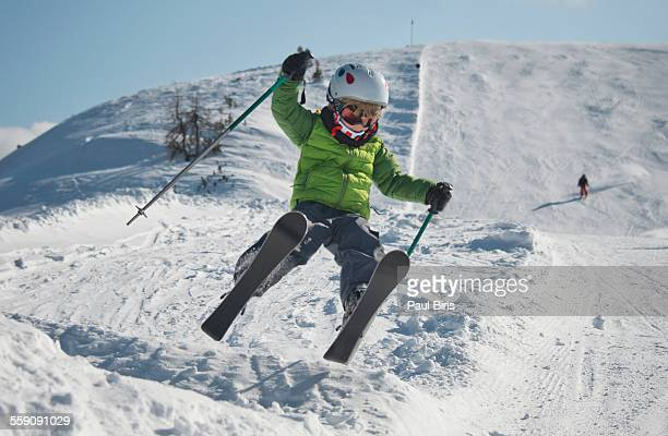 austria, salzburg, zauchnsee, boy on the slope - skifahren stock-fotos und bilder
