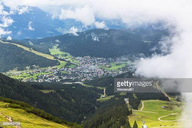 austria, seefeld in tirol, schlossberg - ゼーフェルト ストックフォトと画像