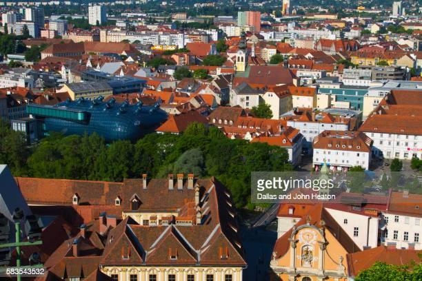 austria, styria, graz, kunsthaus, old town from schlossbergstiege steps - 現代美術館 ストックフォトと画像