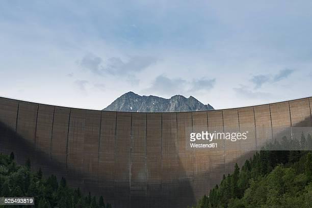 austria, tirol, zillertal, schlegeis dam wall and mount kleiner hochstaller - dam stock pictures, royalty-free photos & images