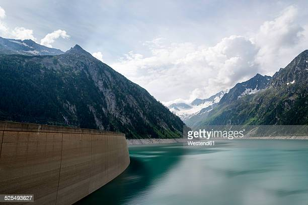 Austria, Tirol, Zillertal, Schlegeis-reservoir in front of Mountains Hochfernerspitze and Hochfeiler