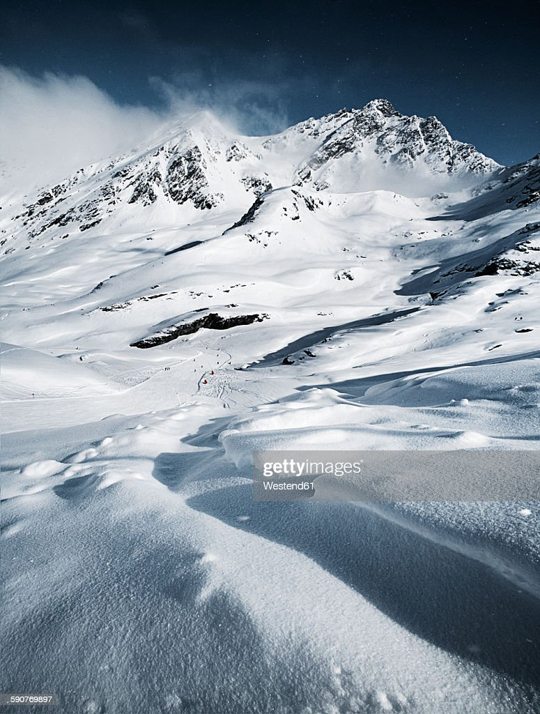 Austria, Tyrol, Ischgl, winter landscape in the mountains : ストックフォト
