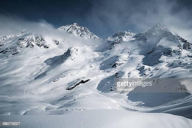 austria, tyrol, ischgl, winter landscape in the mountains - schneebedeckt stock-fotos und bilder
