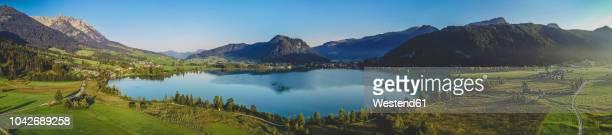 austria, tyrol, kaiserwinkl, aerial view of lake walchsee, panorama - panoramic imagens e fotografias de stock