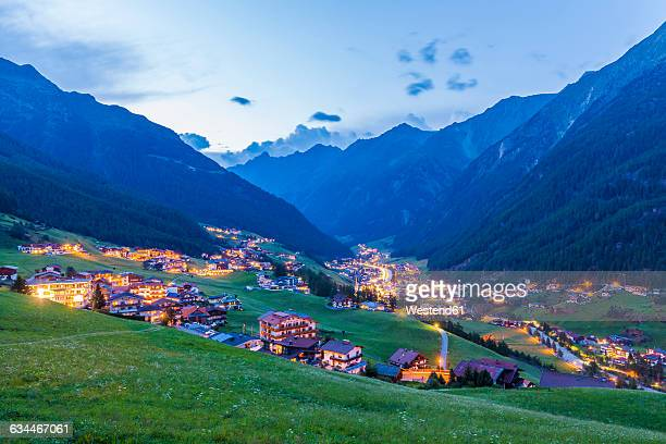 Austria, Tyrol, Soelden, townscape in the evening