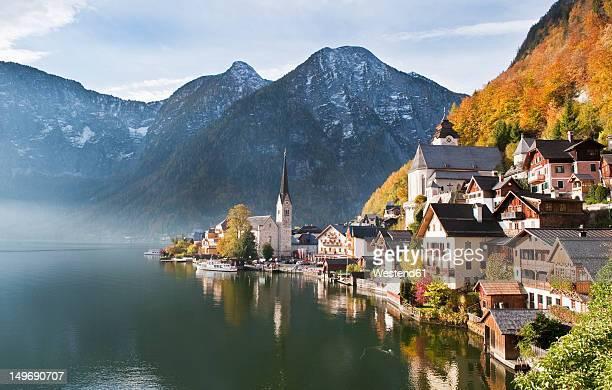 austria, upper austria, view of lake hallstaetter see - hallstatt stockfoto's en -beelden