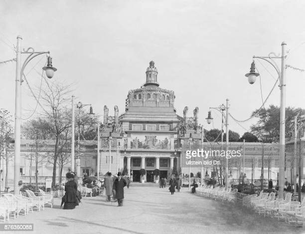 Austria Vienna First International Hunting Exhibition entrance to the KK Ministry for Public Works 1910 Vintage property of ullstein bild
