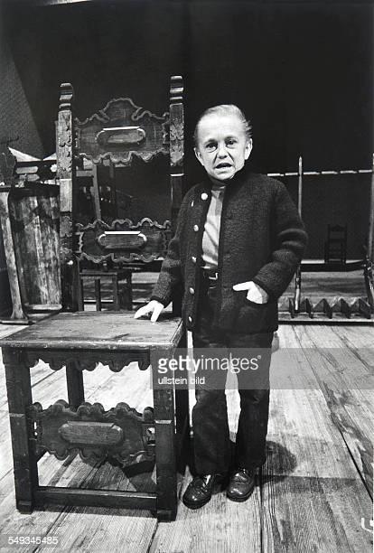 Austria Vienna theatre Burgtheater actor Fritz Hakl man of short stature on stage