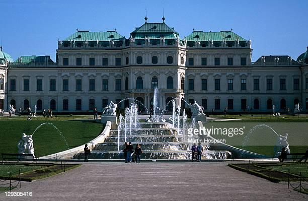 Austria, Vienna, Upper Belvedere palace and fountain