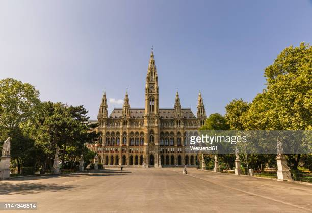 austria, vienna, vienna city hall - town hall square stock pictures, royalty-free photos & images