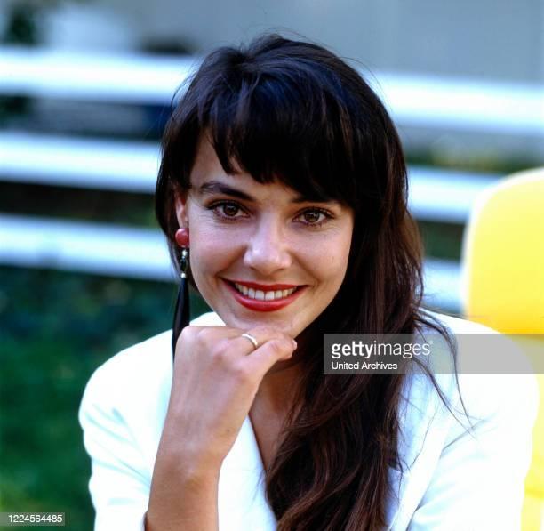 Austrian actress Beatrix Bilgeri portrait for the TV series 'Ein Schloss am Woerthersee', Germany, 1991.