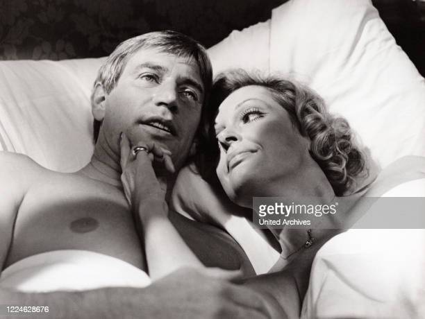 Austrian actress Nadja Tiller and Siegfried Rauch in the TV series Es muss nicht immer Kaviar sein Germany 1977