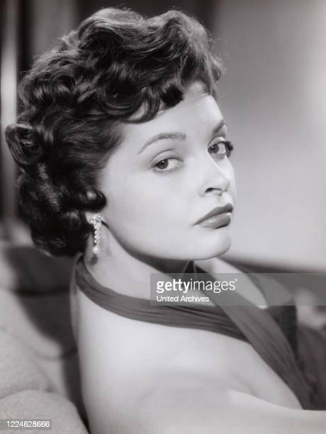 Austrian actress Nadja Tiller, Germany, circa 1958. .