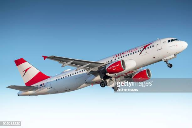 austrian airlines airbus a320 - traditionally austrian stock pictures, royalty-free photos & images