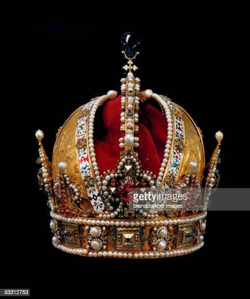 Austrian imperial crown produced by Jan Vermeyen in Prague in 1602 as a personal crown for Emperor Rudolpf II 1602 [Oesterreichische Kaiserkrone 1602...