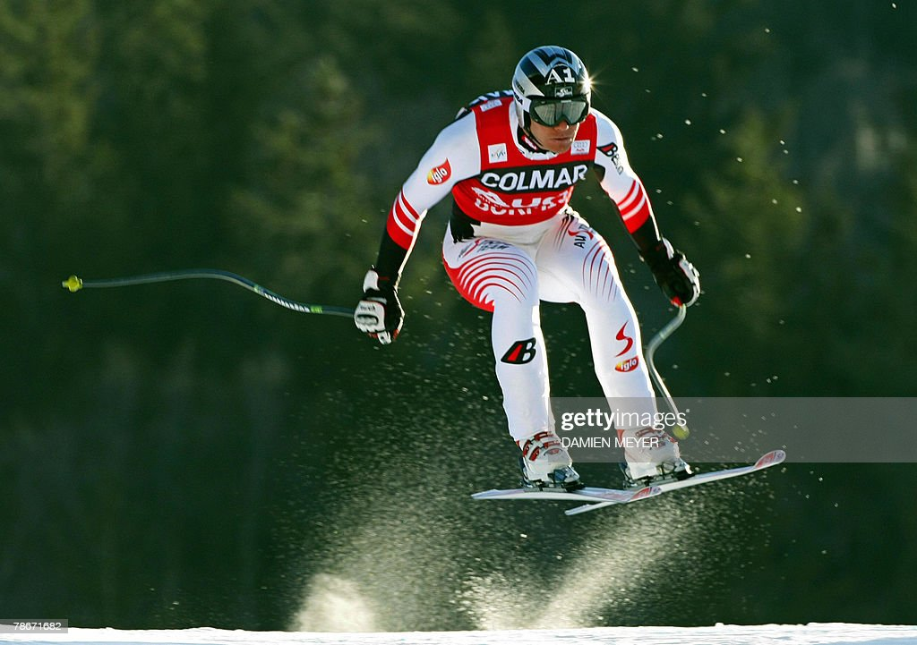 Austrian Michael Walchhofer speeds down the course, 29 December 2007 during the Men's FIS Alpine World Cup Downhill event in Bormio. American Bode Miller claimed his first World Cup victory of the season, Austrian Michael Walchhofer finished 19th.