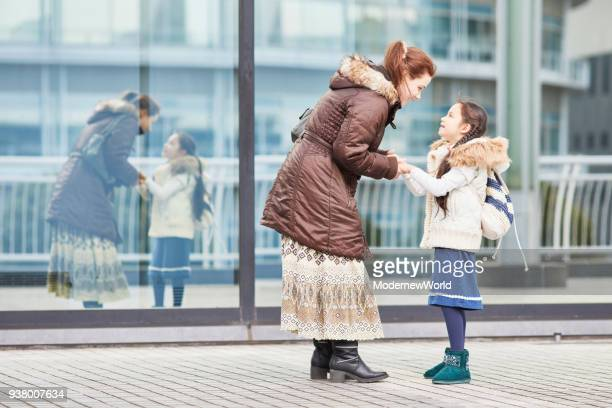 austrian mother and 7 years old daughter_26 - 6 7 years stock pictures, royalty-free photos & images