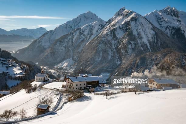 austrian mountain village - 山村 ストックフォトと画像